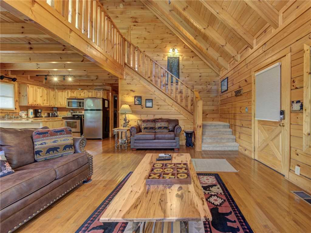 Photo of a Sevierville Cabin named Lookout Ridge - This is the third photo in the set.