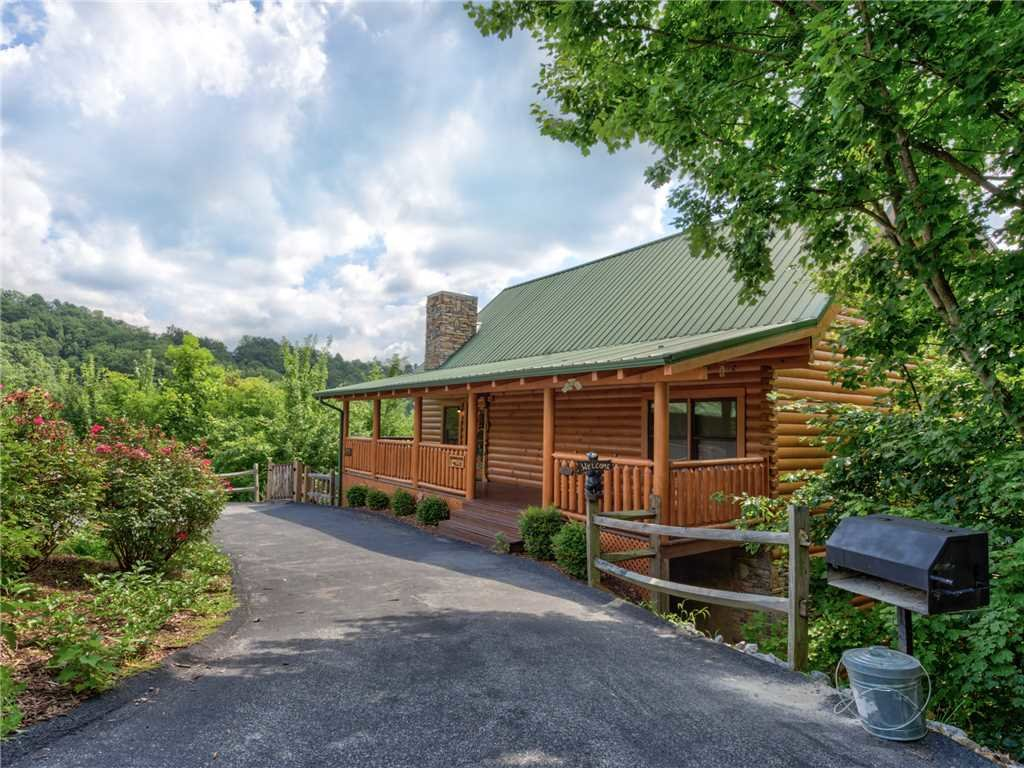 Photo of a Sevierville Cabin named Lookout Ridge - This is the forty-fourth photo in the set.