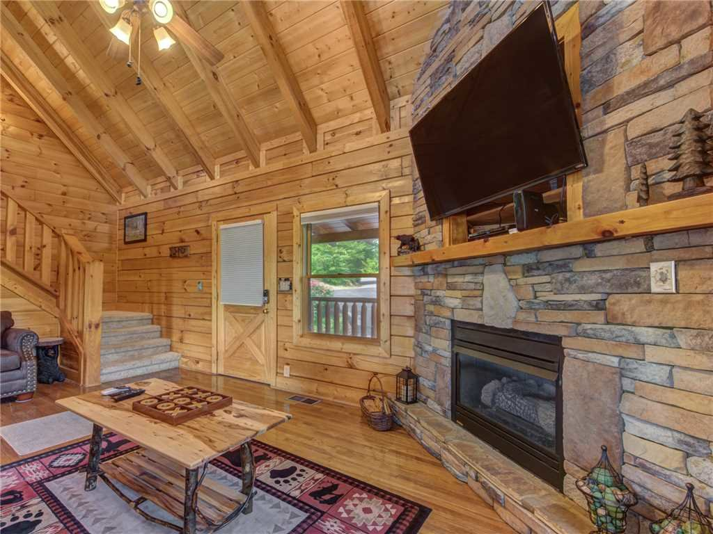 Photo of a Sevierville Cabin named Lookout Ridge - This is the seventh photo in the set.