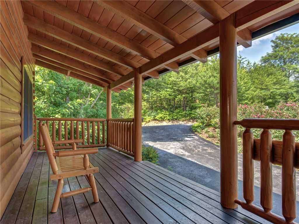 Photo of a Sevierville Cabin named Lookout Ridge - This is the forty-second photo in the set.