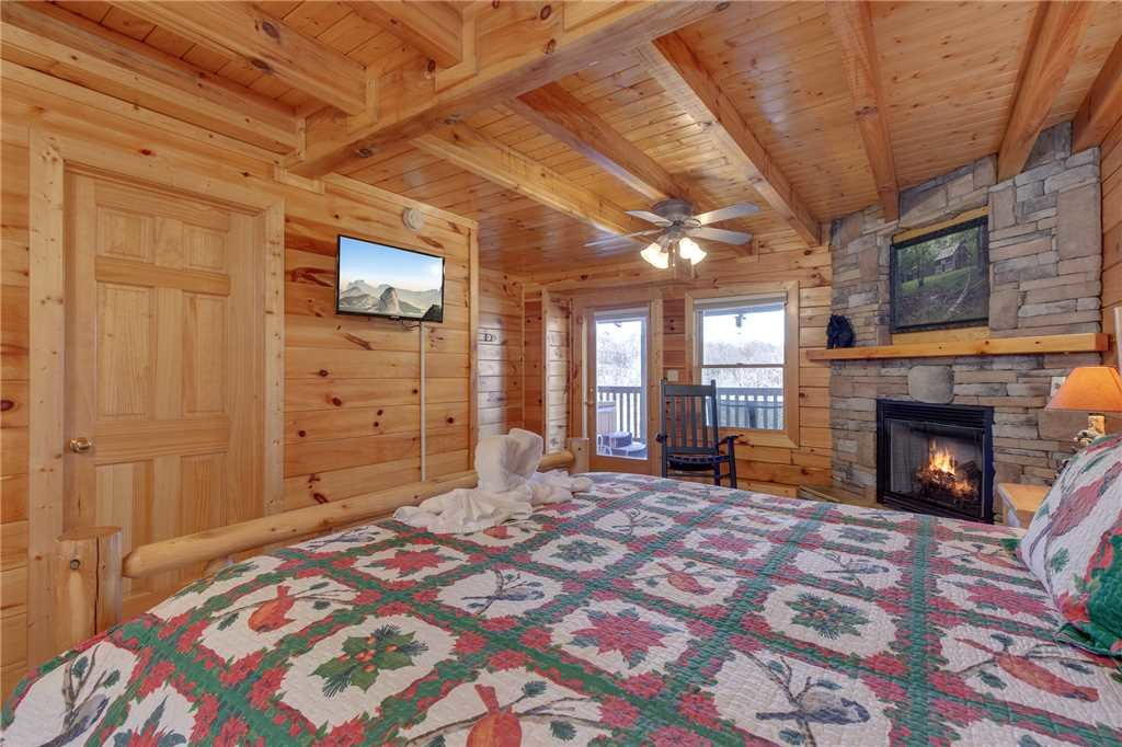 Photo of a Sevierville Cabin named Lookout Ridge - This is the twenty-first photo in the set.
