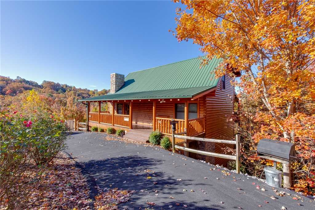 Photo of a Sevierville Cabin named Lookout Ridge - This is the forty-fifth photo in the set.