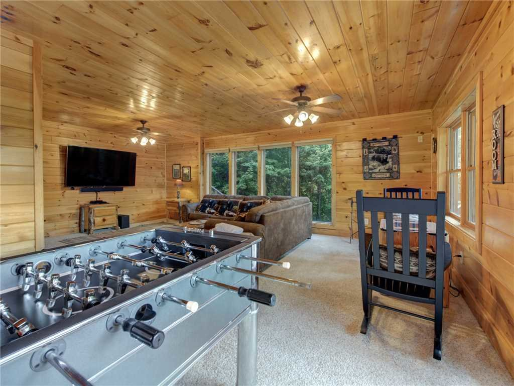 Photo of a Sevierville Cabin named Lookout Ridge - This is the thirtieth photo in the set.