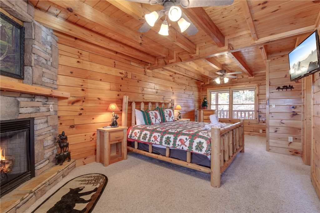 Photo of a Sevierville Cabin named Lookout Ridge - This is the twentieth photo in the set.