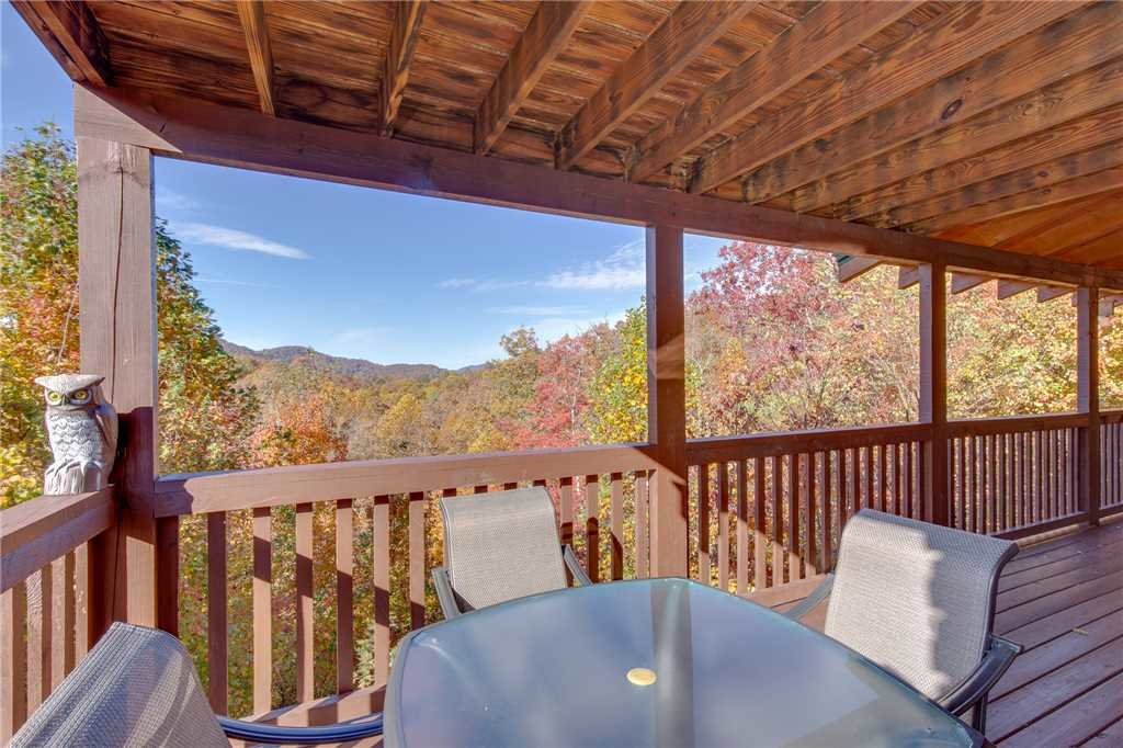 Photo of a Sevierville Cabin named Lookout Ridge - This is the thirty-third photo in the set.