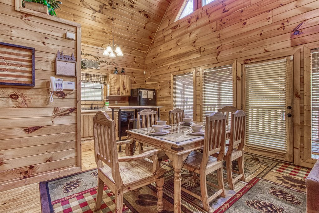 Photo of a Pigeon Forge Cabin named Shamrock Lodge #215 - This is the thirty-first photo in the set.