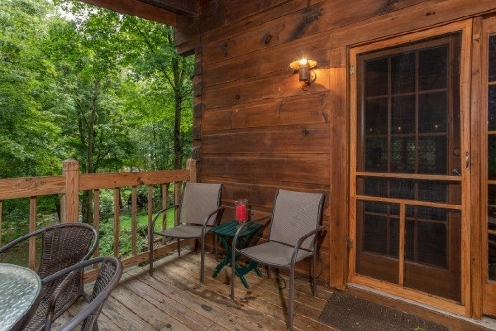 Photo of a Sevierville Cabin named Stream On! - This is the fourteenth photo in the set.