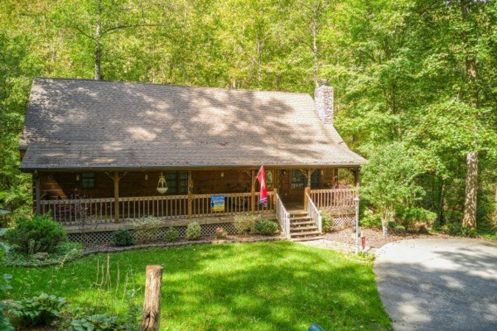 Photo of a Sevierville Cabin named Stream On! - This is the forty-seventh photo in the set.