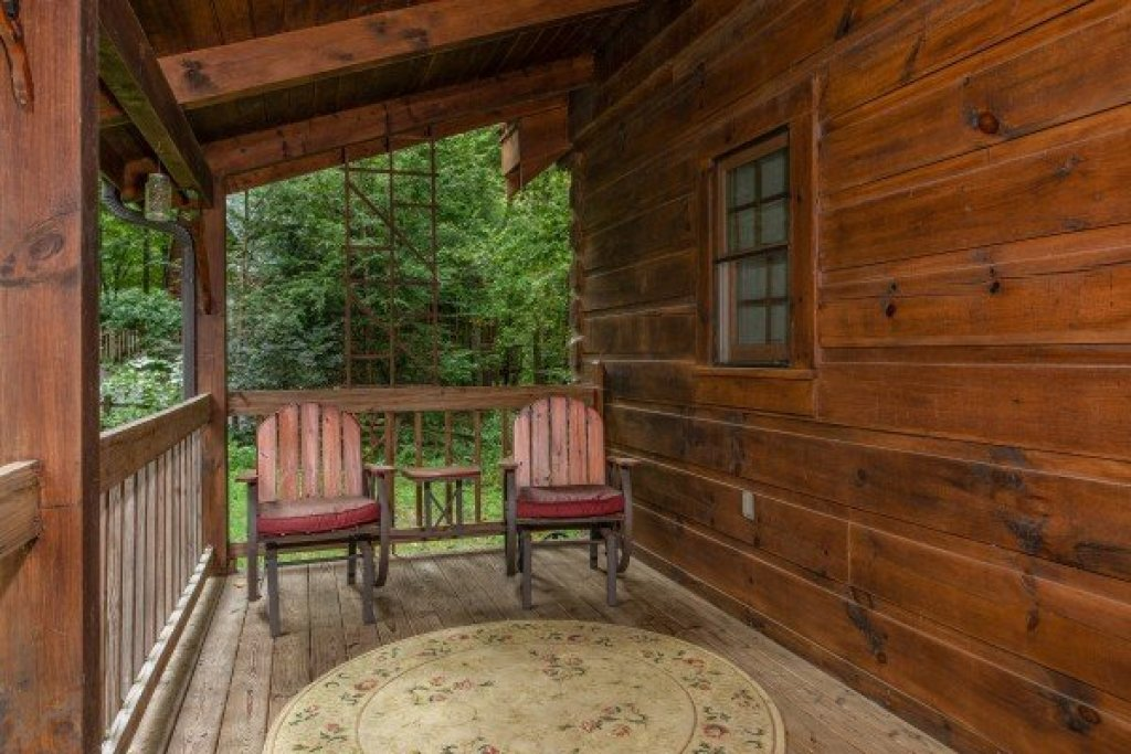Photo of a Sevierville Cabin named Stream On! - This is the twenty-first photo in the set.