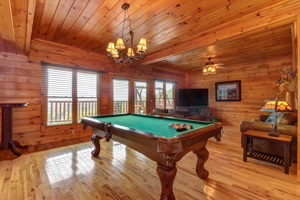 Photo of a Sevierville Cabin named Soaring Vista Cabin - This is the fourth photo in the set.