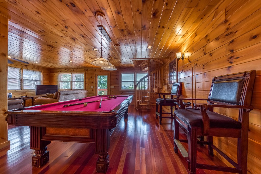 Photo of a Pigeon Forge Cabin named Champion's Run - This is the fourth photo in the set.