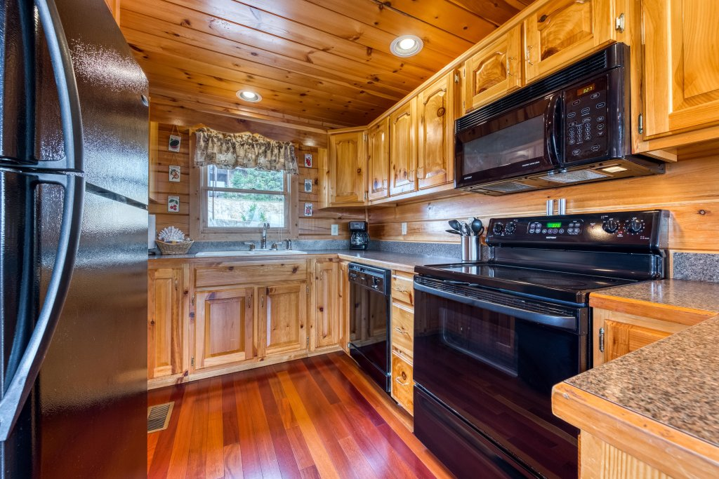 Photo of a Pigeon Forge Cabin named Champion's Run - This is the eighth photo in the set.