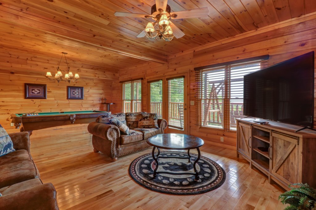 Photo of a Sevierville Cabin named Soaring Vista Cabin - This is the fourteenth photo in the set.
