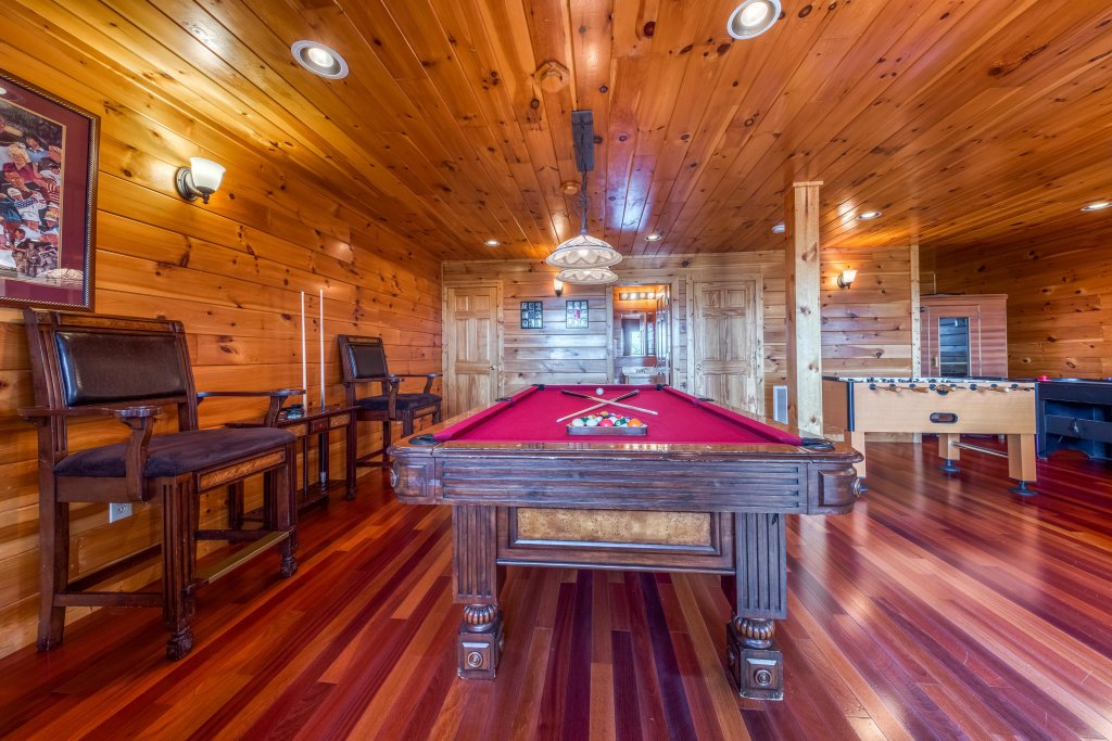 Photo of a Pigeon Forge Cabin named Champion's Run - This is the eighteenth photo in the set.