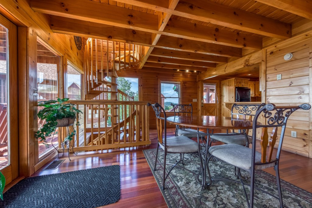 Photo of a Pigeon Forge Cabin named Champion's Run - This is the fifteenth photo in the set.