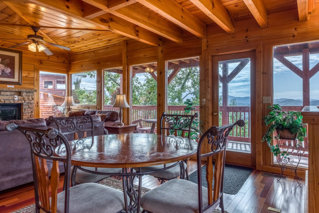 Photo of a Pigeon Forge Cabin named Champion's Run - This is the tenth photo in the set.