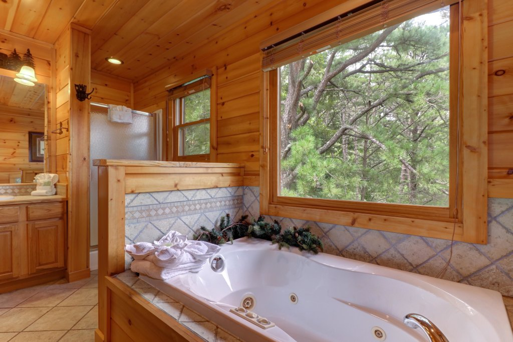 Photo of a Sevierville Cabin named Soaring Vista Cabin - This is the twenty-first photo in the set.