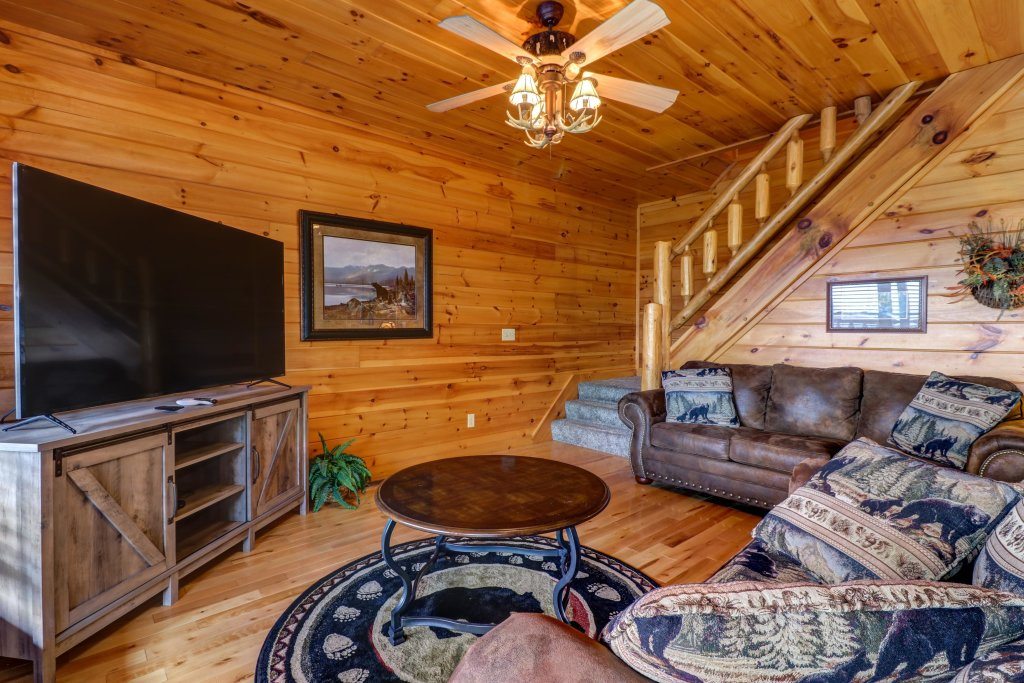 Photo of a Sevierville Cabin named Soaring Vista Cabin - This is the sixteenth photo in the set.