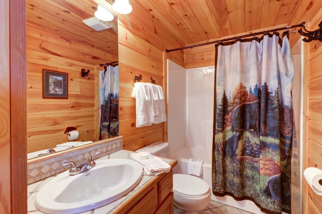 Photo of a Sevierville Cabin named Soaring Vista Cabin - This is the twenty-seventh photo in the set.