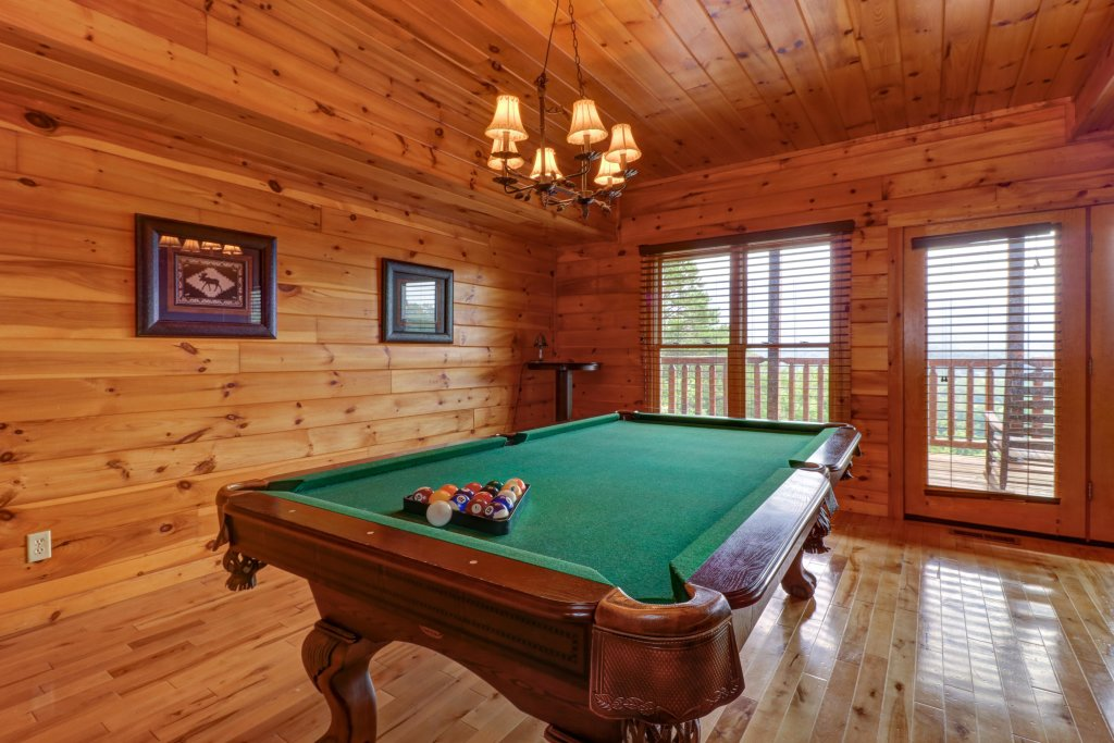 Photo of a Sevierville Cabin named Soaring Vista Cabin - This is the forty-first photo in the set.
