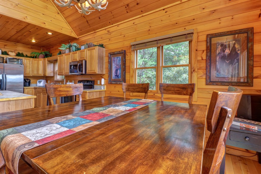 Photo of a Sevierville Cabin named Soaring Vista Cabin - This is the thirty-ninth photo in the set.