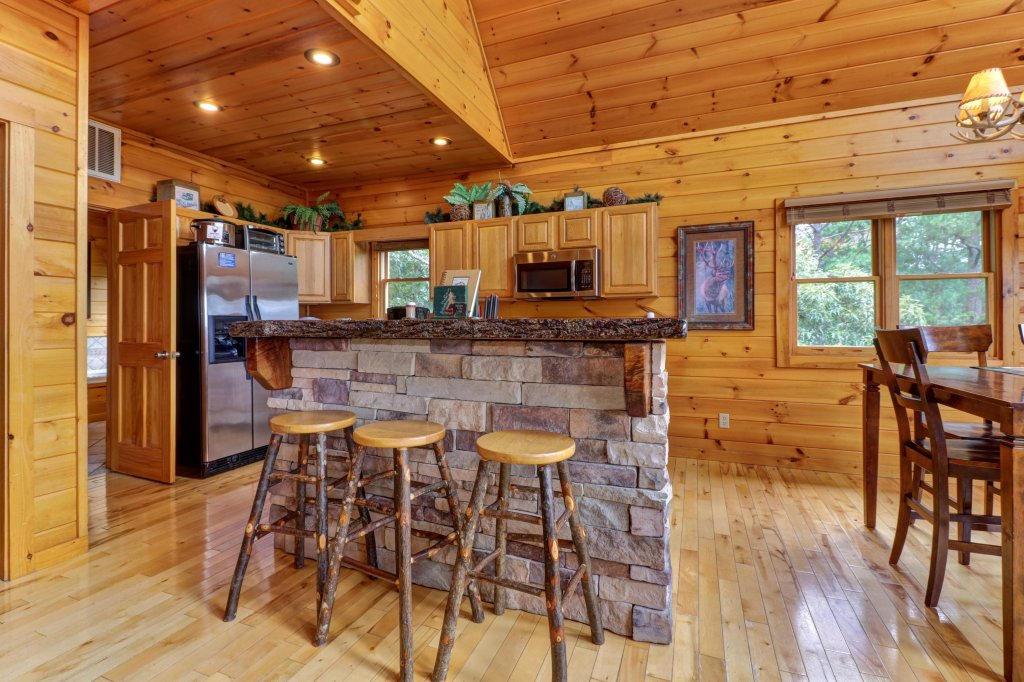 Photo of a Sevierville Cabin named Soaring Vista Cabin - This is the fortieth photo in the set.