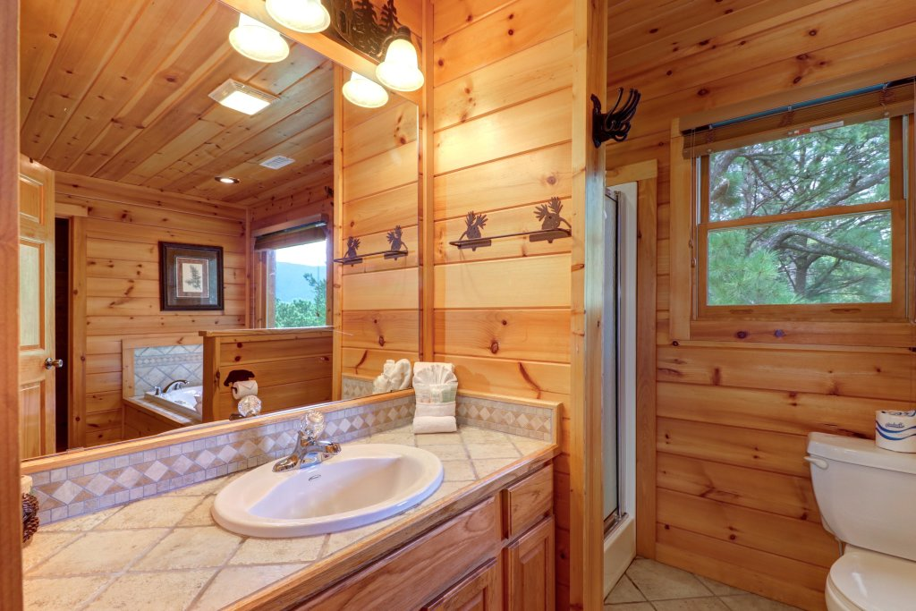 Photo of a Sevierville Cabin named Soaring Vista Cabin - This is the forty-fourth photo in the set.