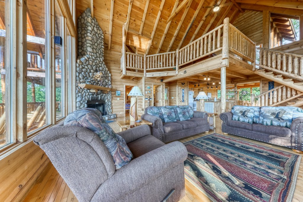 Photo of a Sevierville Cabin named Kodiak #45 - This is the tenth photo in the set.