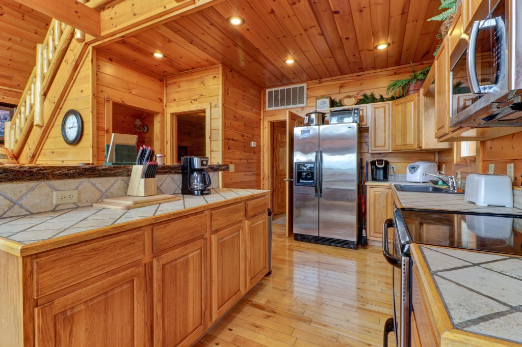 Photo of a Sevierville Cabin named Soaring Vista Cabin - This is the thirty-eighth photo in the set.