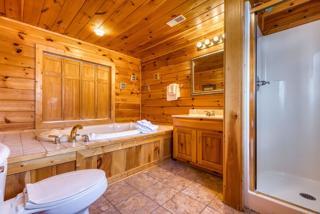 Photo of a Pigeon Forge Cabin named Champion's Run - This is the thirty-fifth photo in the set.