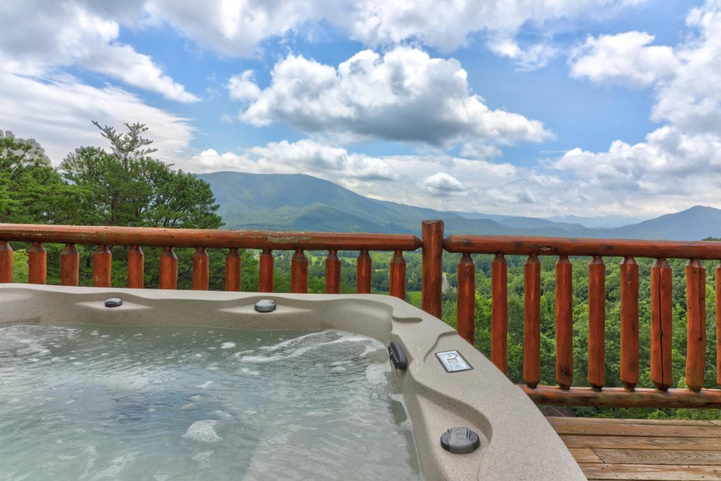 Photo of a Sevierville Cabin named Soaring Vista Cabin - This is the thirty-second photo in the set.