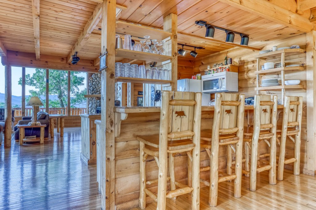 Photo of a Sevierville Cabin named Kodiak #45 - This is the sixteenth photo in the set.
