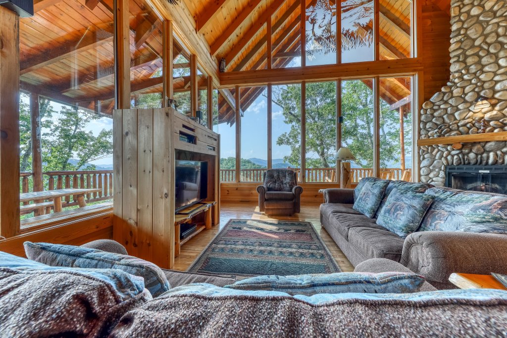 Photo of a Sevierville Cabin named Kodiak #45 - This is the twelfth photo in the set.