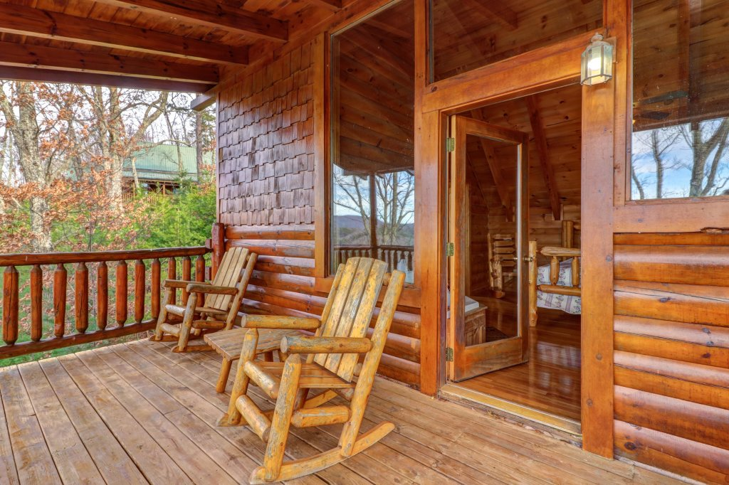 Photo of a Sevierville Cabin named Kodiak #45 - This is the fifty-second photo in the set.