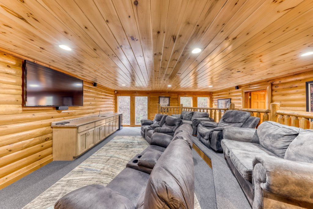 Photo of a Sevierville Cabin named Mountain Cinema Lodge - This is the eighth photo in the set.
