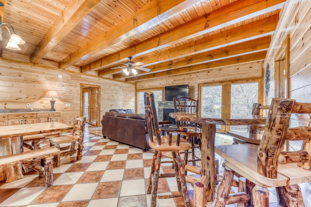 Photo of a Sevierville Cabin named Mountain Cinema Lodge - This is the nineteenth photo in the set.