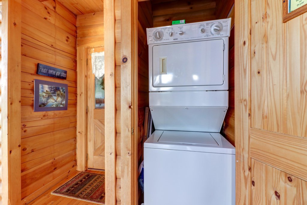 Photo of a Sevierville Cabin named Kodiak #45 - This is the thirty-seventh photo in the set.