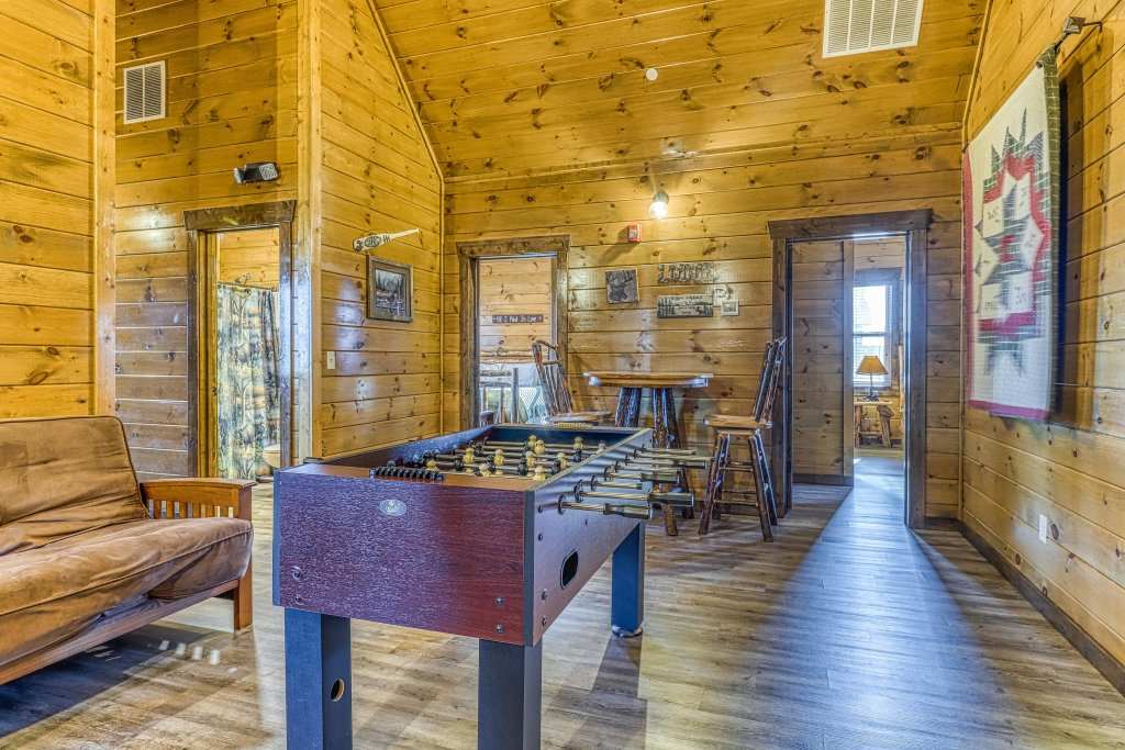 Photo of a Pigeon Forge Cabin named Mountain Splash Lodge - This is the eighteenth photo in the set.