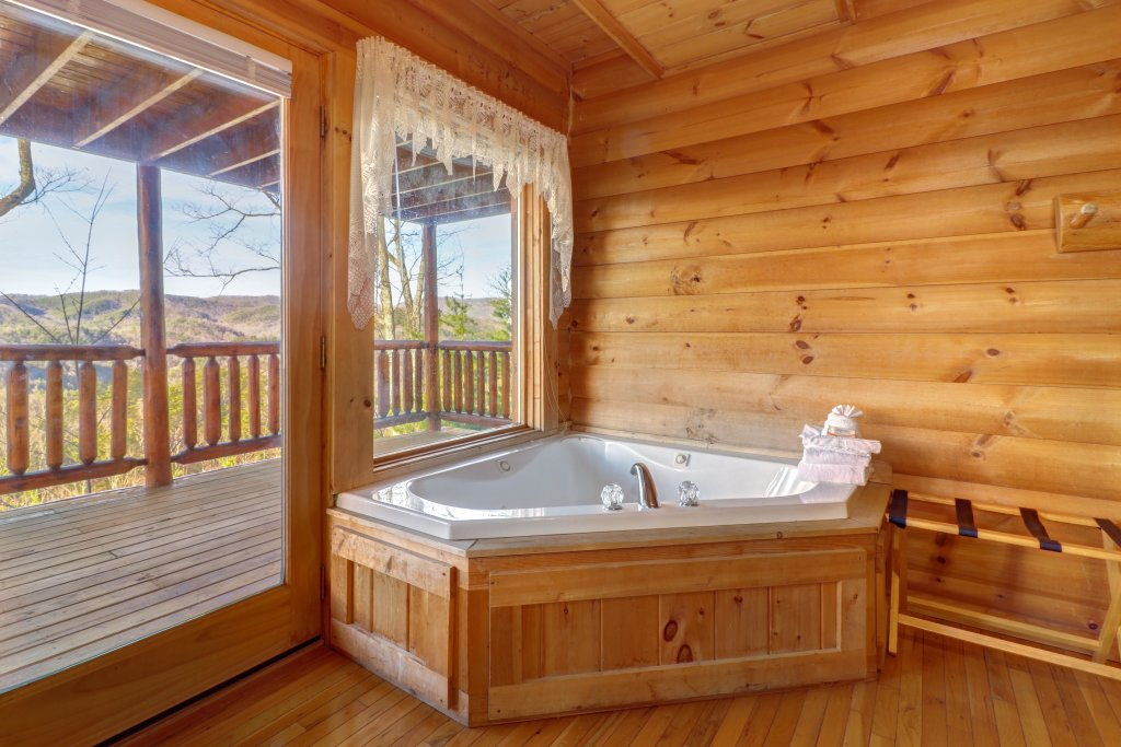 Photo of a Sevierville Cabin named Kodiak #45 - This is the fifty-fifth photo in the set.