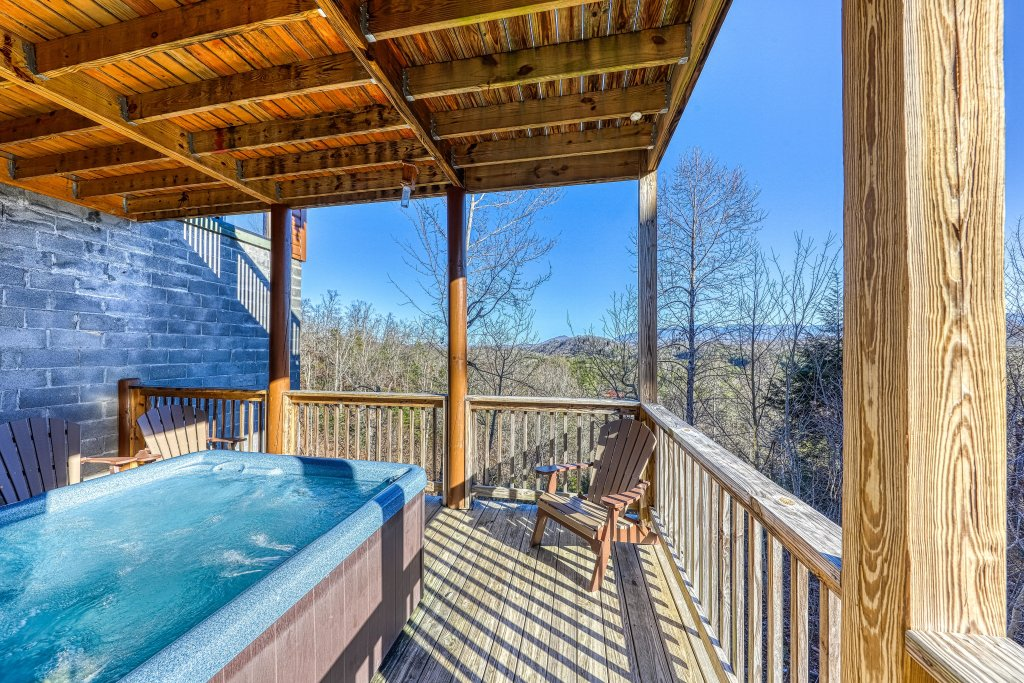 Photo of a Pigeon Forge Cabin named Mountain Splash Lodge - This is the fiftieth photo in the set.