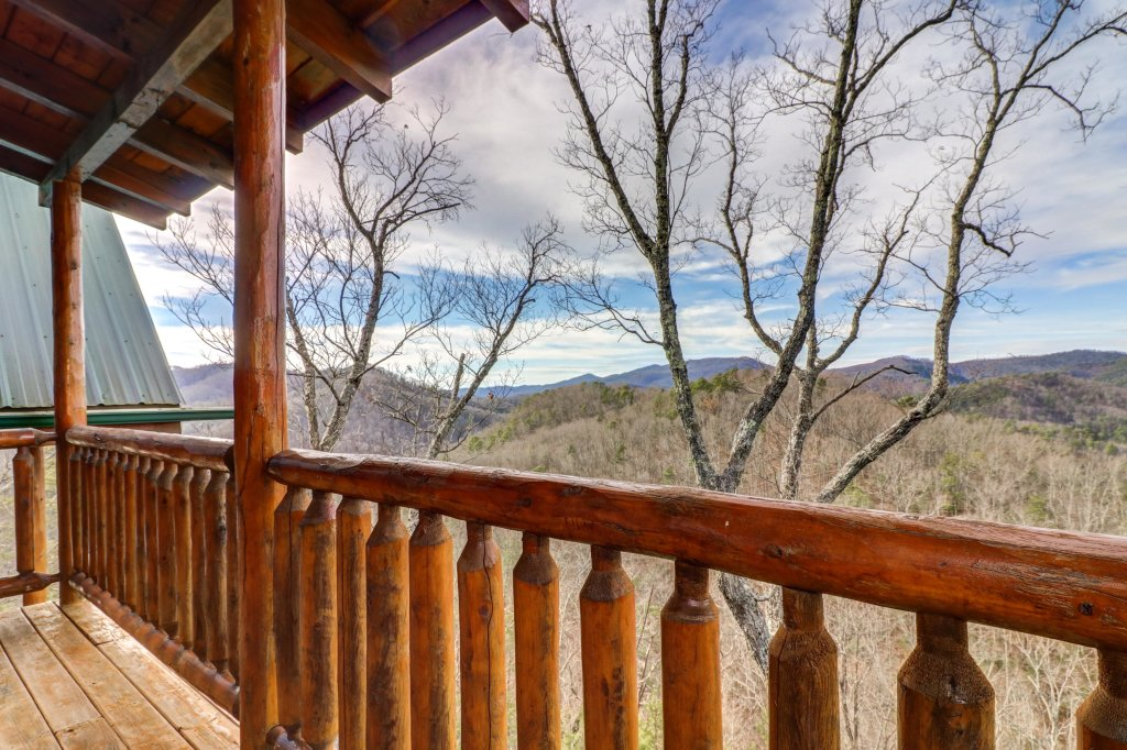Photo of a Sevierville Cabin named Kodiak #45 - This is the fifty-third photo in the set.