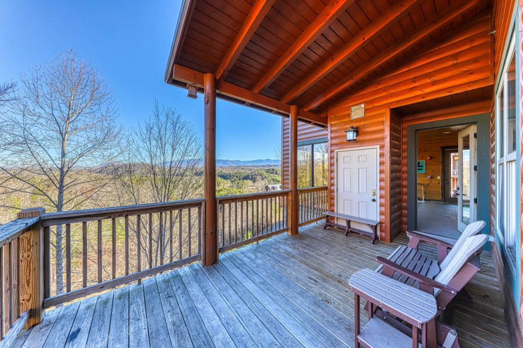 Photo of a Pigeon Forge Cabin named Mountain Splash Lodge - This is the fifty-fifth photo in the set.