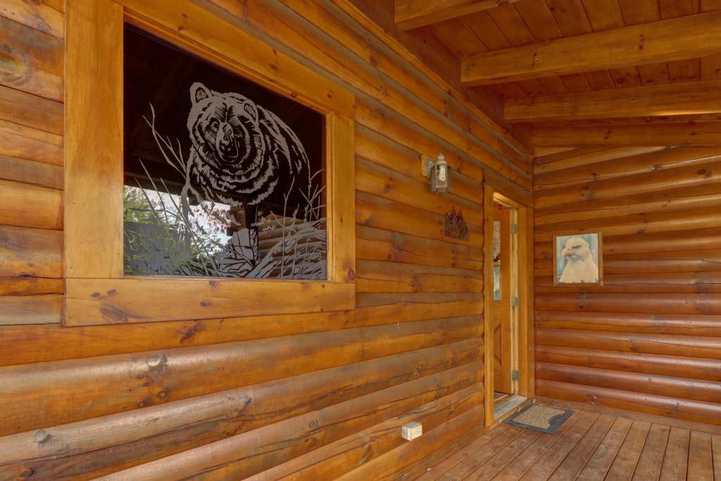Photo of a Sevierville Cabin named Kodiak #45 - This is the fifty-seventh photo in the set.