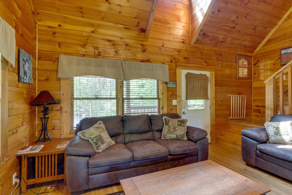 Photo of a Pigeon Forge Cabin named Moose Creek Lodge - This is the eighth photo in the set.