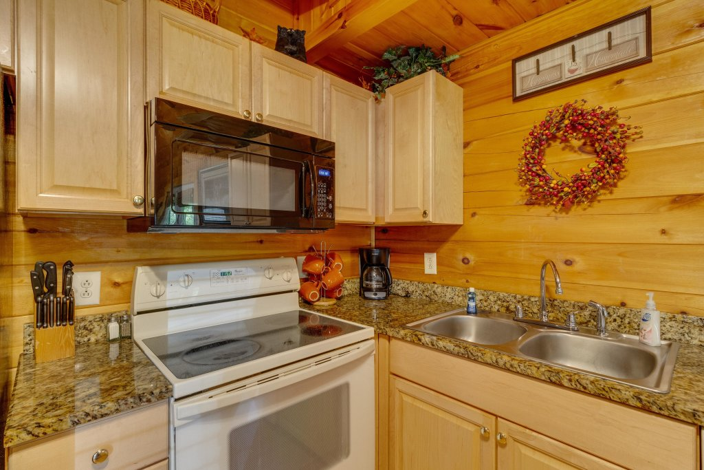 Photo of a Pigeon Forge Cabin named Moose Creek Lodge - This is the tenth photo in the set.