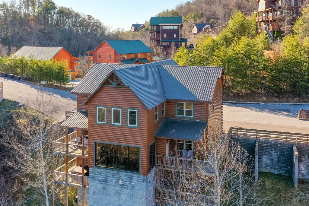 Photo of a Pigeon Forge Cabin named Mountain Splash Lodge - This is the fifty-first photo in the set.