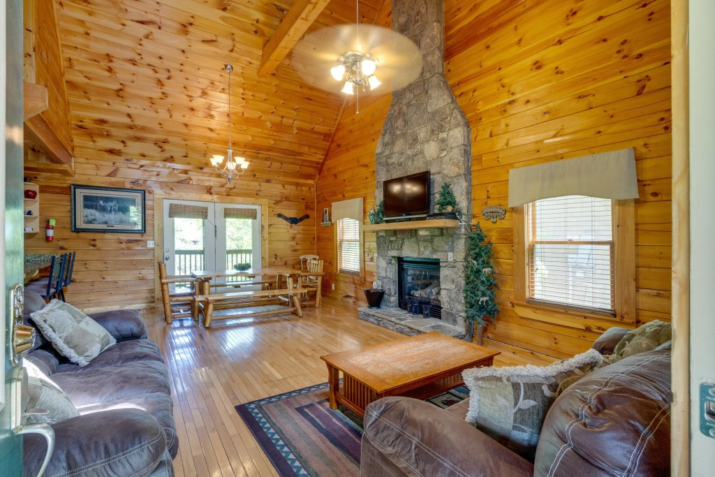 Photo of a Pigeon Forge Cabin named Moose Creek Lodge - This is the ninth photo in the set.