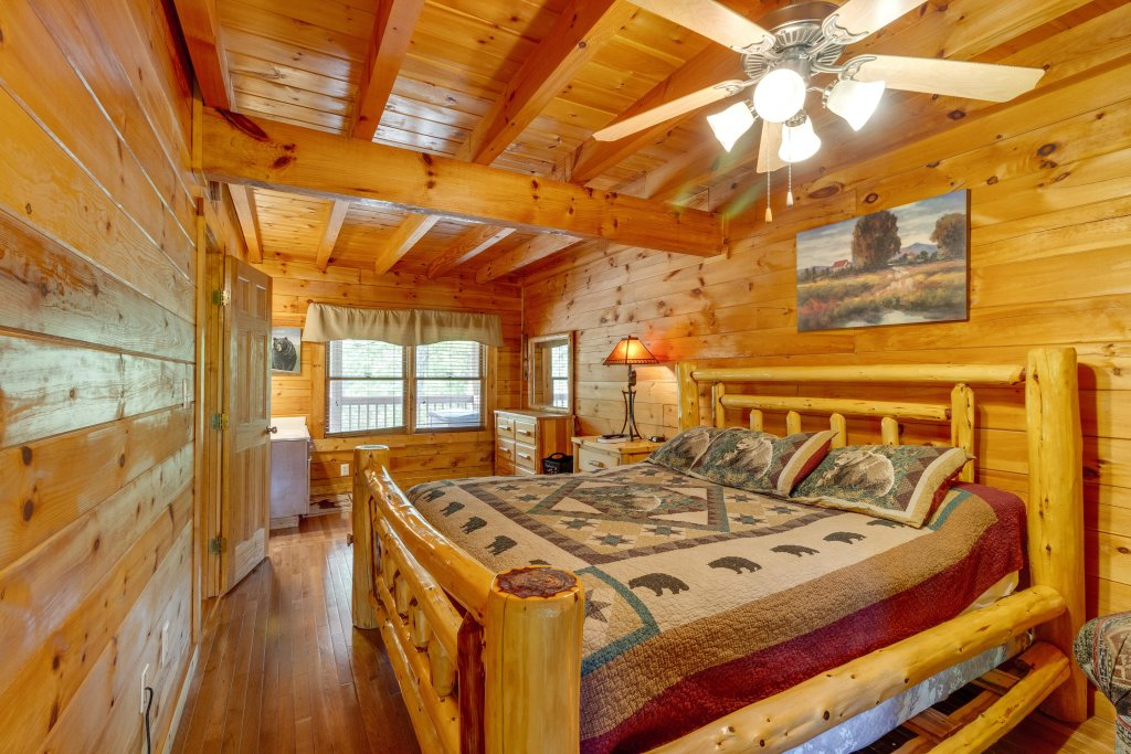 Photo of a Pigeon Forge Cabin named Moose Creek Lodge - This is the thirty-third photo in the set.