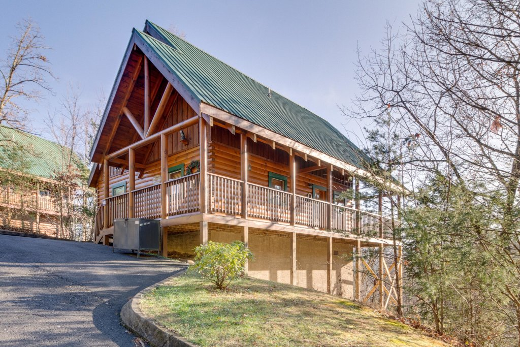 Photo of a Pigeon Forge Cabin named Tennessee Dreams - This is the first photo in the set.