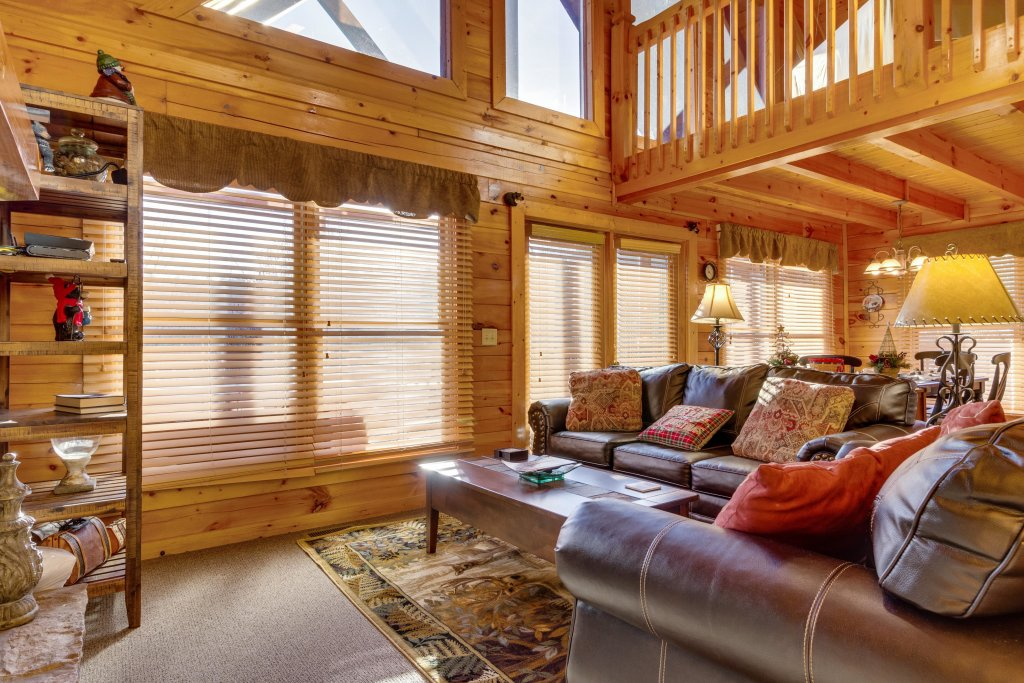 Photo of a Pigeon Forge Cabin named Tennessee Dreams - This is the fifth photo in the set.